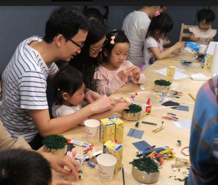 書鴻參加小飛機音樂盒課程